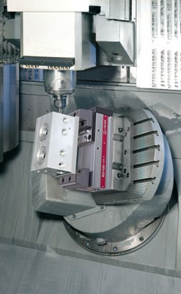 Roemheld moves 5-axis clamping up a gear at Autosport
