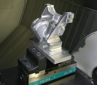 Roemheld vices help keep Hemlock's 5-axis machining in the fast lane